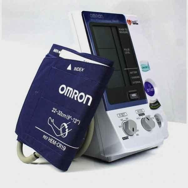 tensiometre-automatique-omron-907-2